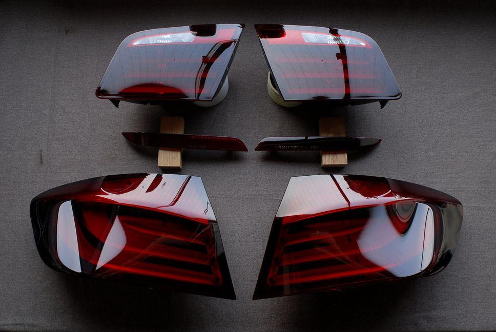 BMWF10テールランプスモーク塗装