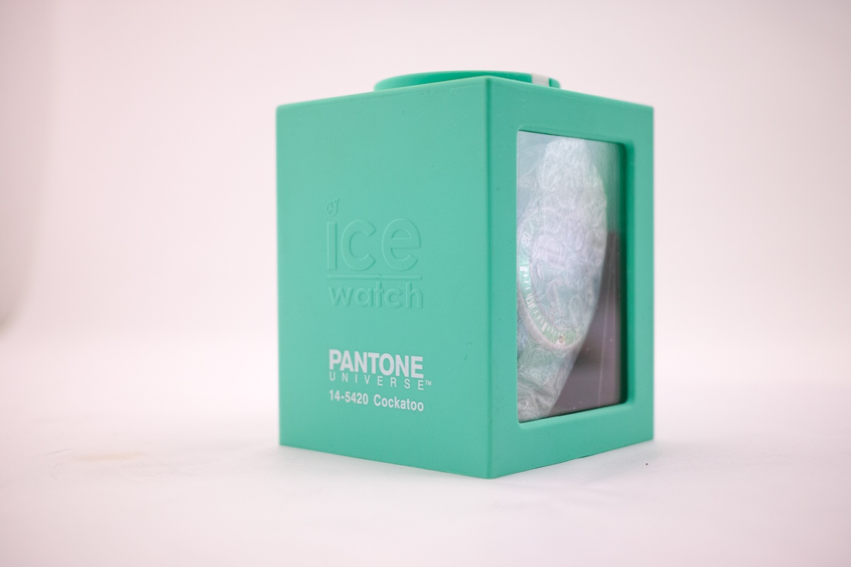 pantone (1 - 1)
